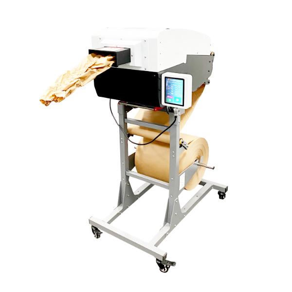 Stroj na mačkaný papír