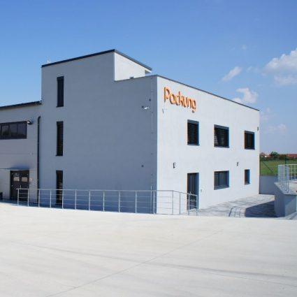 Pohled na administrativní budovu Packung
